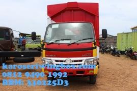 Karoseri wingbox light truck Hino Dutro 130 MDL tampak depan