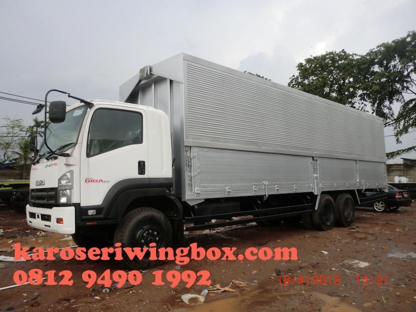 karoseri-wingbox-isuzu-giga-fvm-126