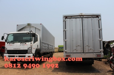 karoseri-wingbox-isuzu-giga-fvm-133