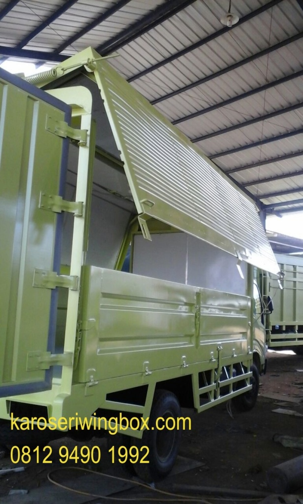 karoseri-wingbox-manual-hino-dutro-110-ld-GMN-4
