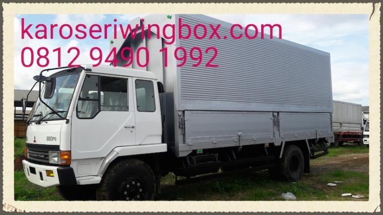 Karoseri wing box Mitsubishi Fuso FM517HL, sudut depan
